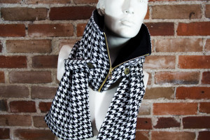 Black and White Houndstooth Posa with Back Fleece Lining