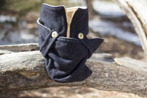 Navy Speckled Wool Posa